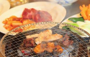 大衆焼肉飯店 秩父屋 料理